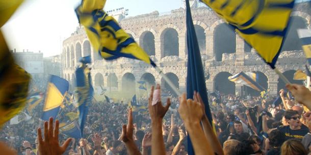 Foto Tifo a Verona vicino all'Arena @ notasdelfutbol.com