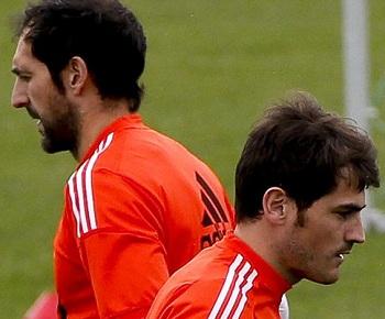 Casillas y Diego Lopez 02