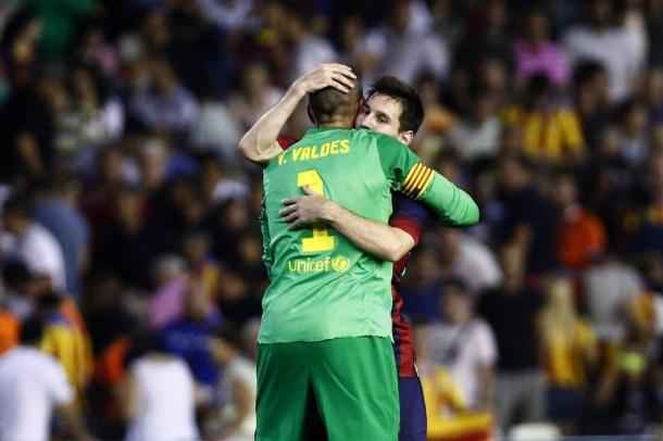 Victor-Valdes-Leo-Messi