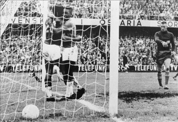 WORLD CUP-1958-BRAZIL-SWEDEN