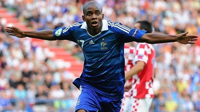 Antes de debutar con la absoluta de RD Congo, Bakambu jugó con las inferiores de Francia